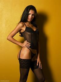 Keity Inês in lingerie