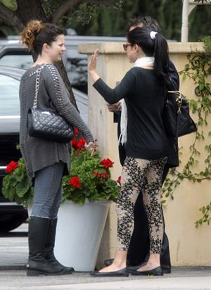 Selena Gomez going out to lunch in Studio City on April 25, 2012