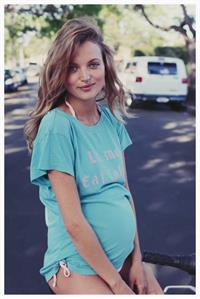Pregnant Amanda Booth - At home - June 14, 2014