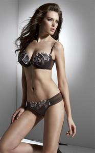 Alba Clave in lingerie