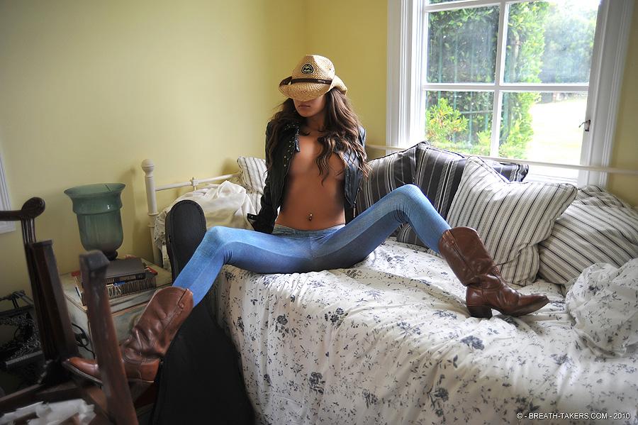 Nina James in a cowboy hat