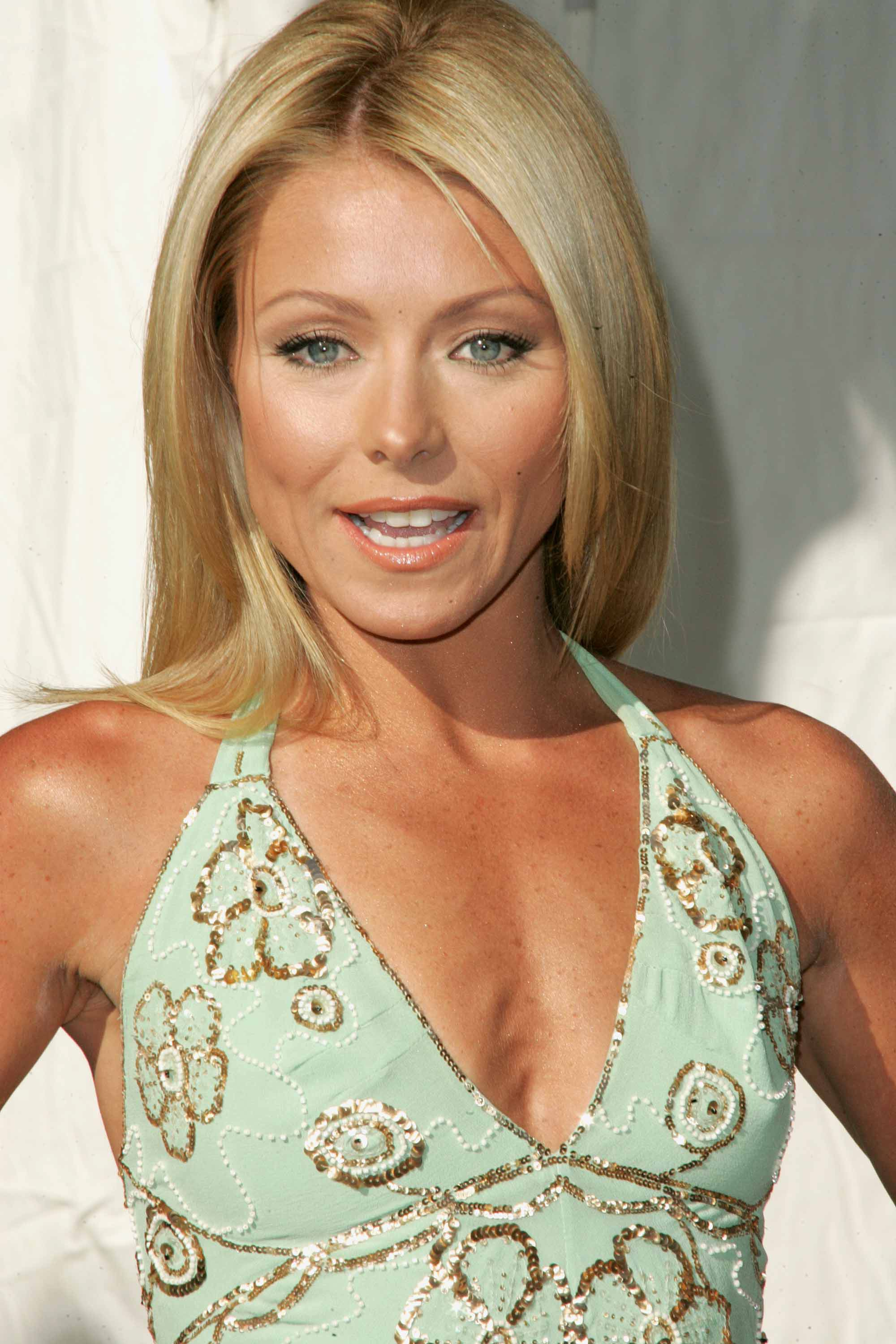 Kelly Ripa 539861 likes 398 talking about this Public Figure