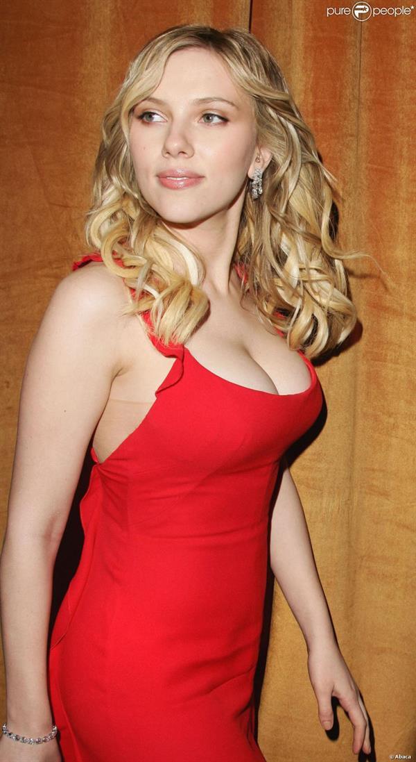 Scarlett Johansson before breast reduction