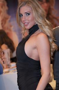 Samantha Saint