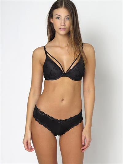 Lorena Rape in lingerie