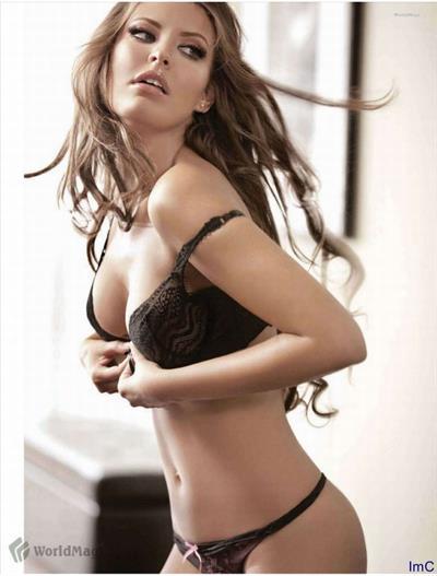 Vanessa Claudio in lingerie