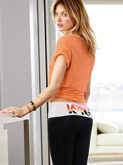 Martha Hunt - ass