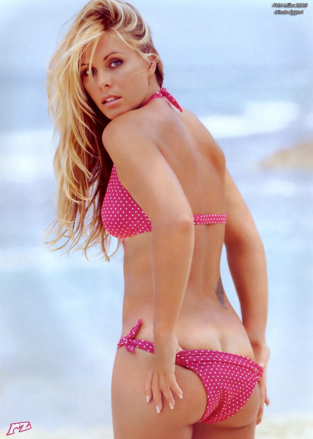 Nicole Eggert in a bikini - ass