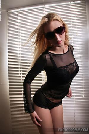 Ms Lynna Photodromm