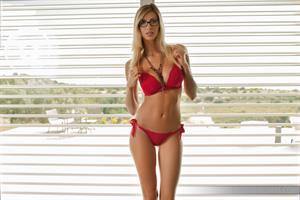 Claudia: Long Legs - Photodromm