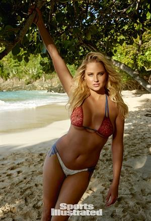 Genevieve Morton Sports Illustrated 2015 - Body Paint