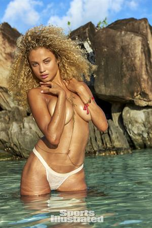 Rose Bertram - Sports Illustrated Swimsuit 2016