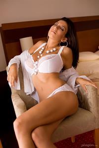 Jana Defi in lingerie