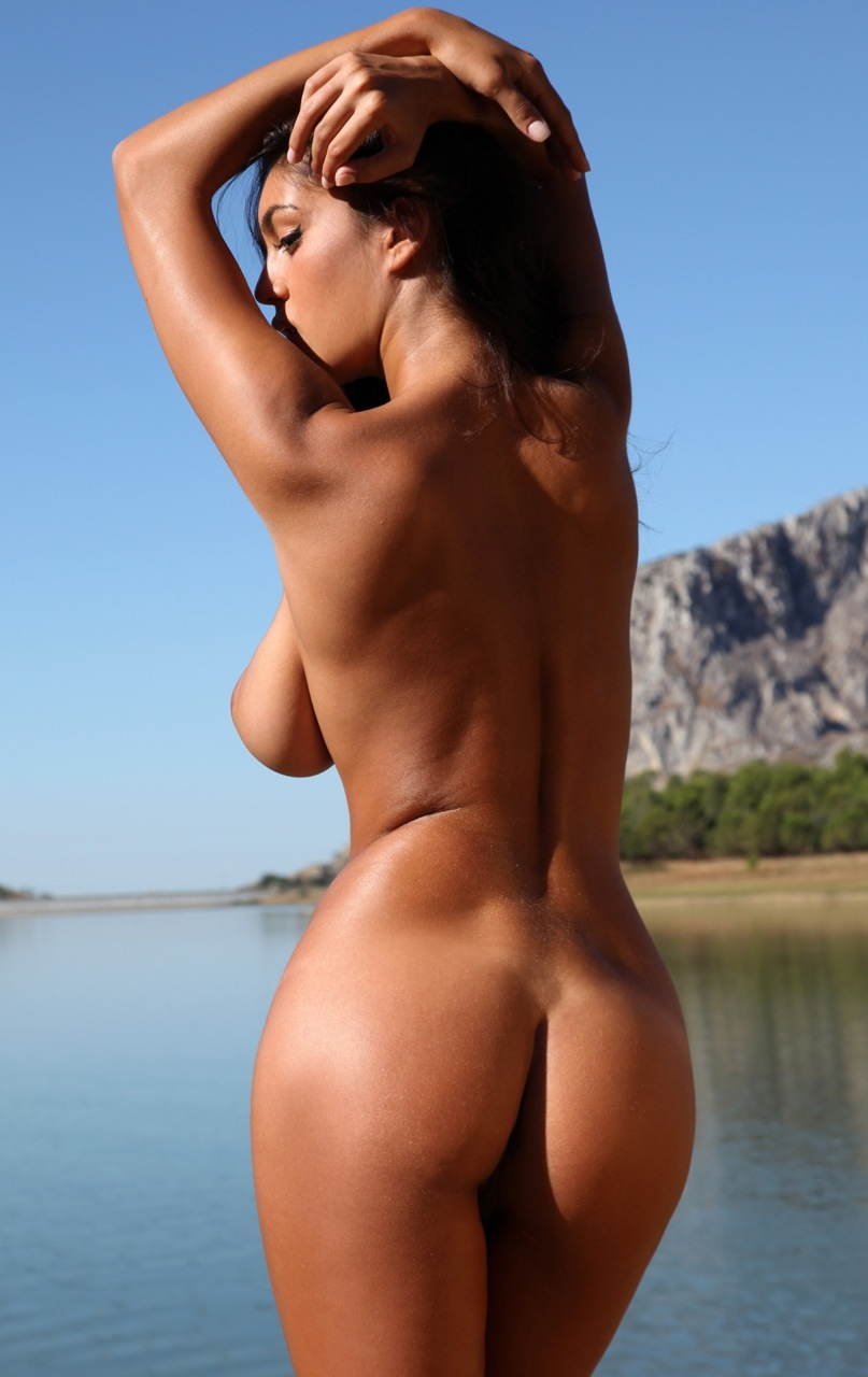 Ela savanas nude