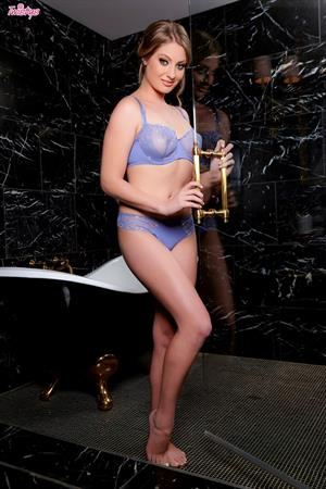 Bath Full Of Joy.. featuring Veronica Weston | Twistys.com