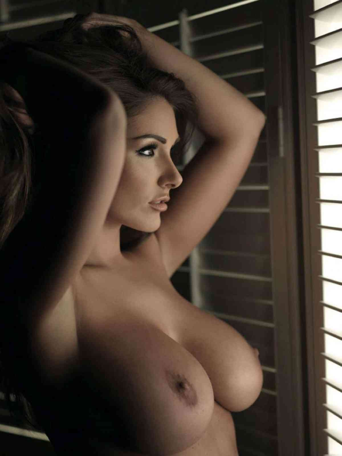 Lucy Pinder Nude Pictures Rating  98110-8097