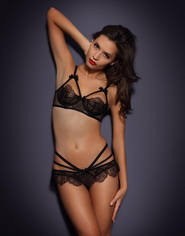 Katya Zalitko in lingerie