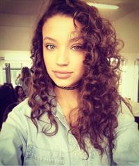 Candice Blackburn taking a selfie