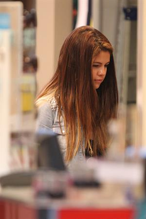 Selena Gomez goes shopping around Bondi Beach in Sydney on July 17, 2012
