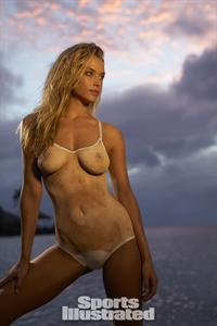 Hannah Ferguson in body paint