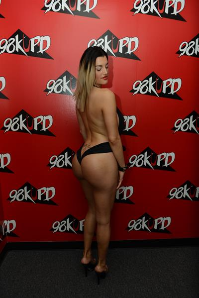 Contestant from 2016 KUPD Milf contest