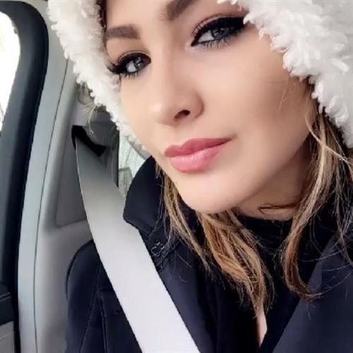 Migbelis Lynette Castellanos taking a selfie