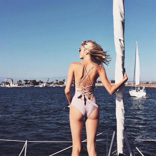 Devon Windsor in a bikini - ass