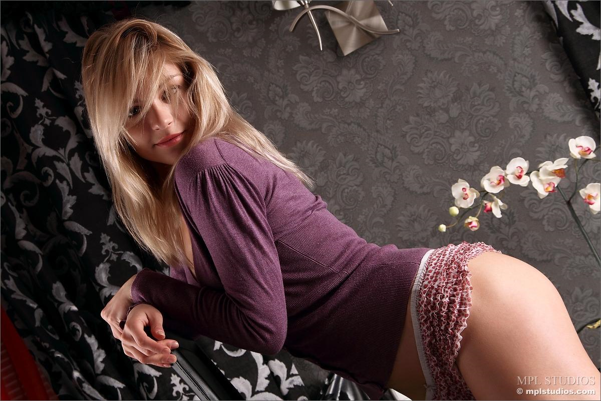 Katy N in lingerie