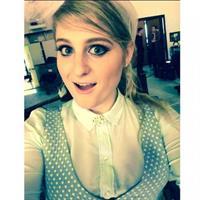 Meghan Trainor taking a selfie