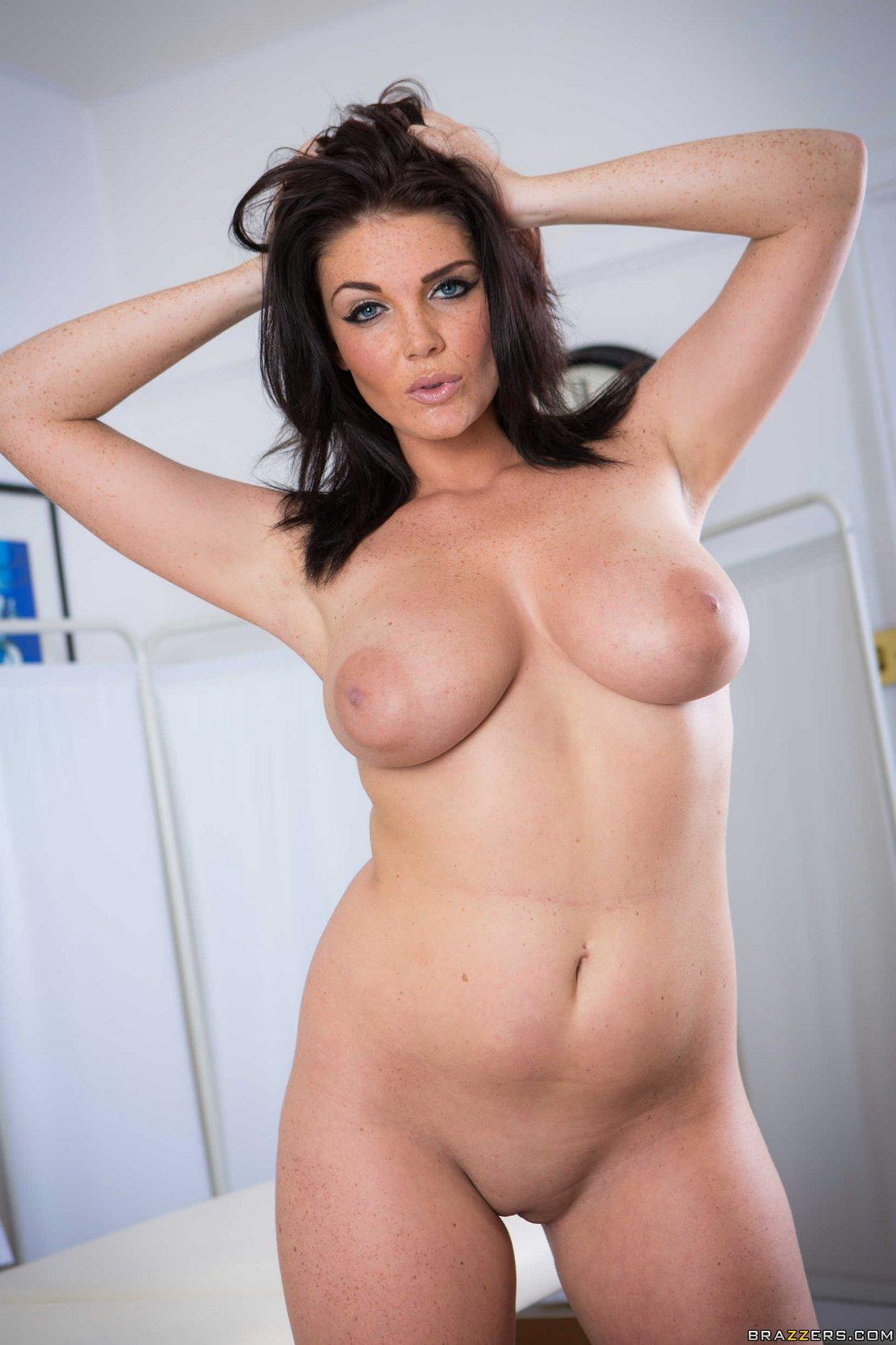 Xxx Kalel kitten naked
