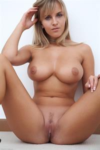 Cikita - pussy and nipples