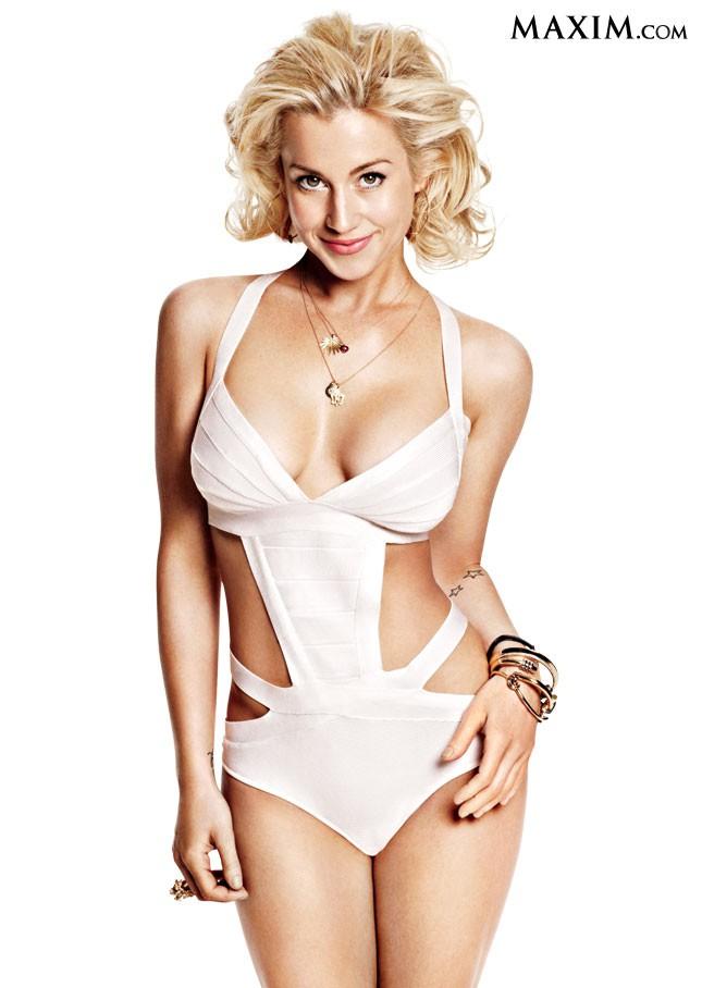 Kellie Pickler in lingerie