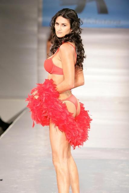 Leryn Franco in a bikini - ass