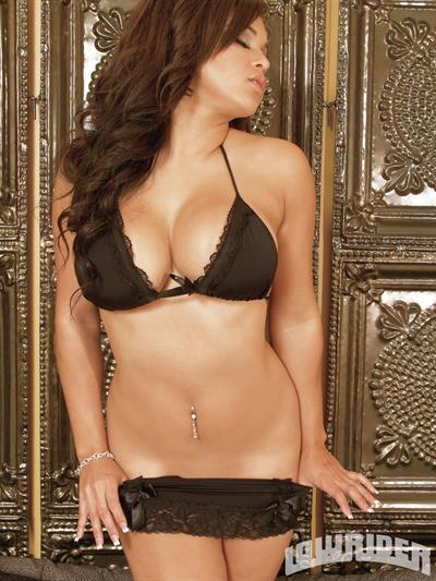 Shaunae Stovall in lingerie