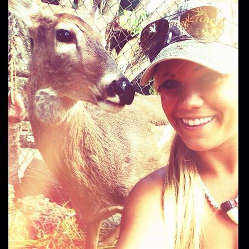 Kayla Garvey taking a selfie