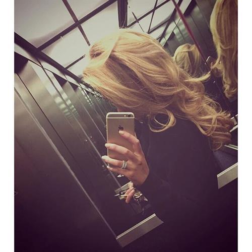 Nicola Hughes taking a selfie