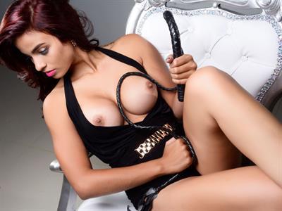 Alis Ribeiro - breasts