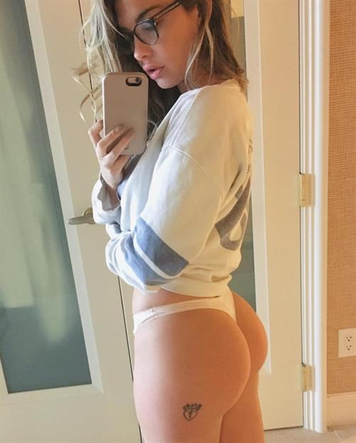 Emily Sears taking a selfie and - ass