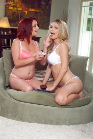 Ashlee Graham and Natalia Starr made cupcakes for you