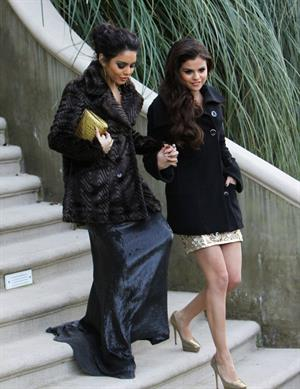 Selena Gomez headed to the Golden Globe Awards in LA January 13, 2013
