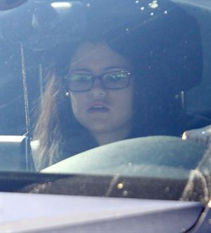 Selena Gomez taking her dogs to a Veterinary Clinic in Encino, November 24, 2012