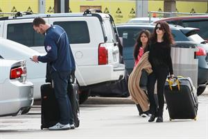 Selena Gomez returning to her home outside of Dallas 11/13/12