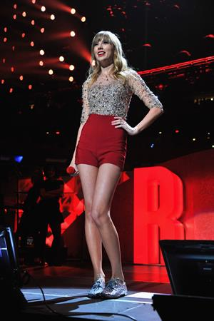Taylor Swift at the KIIS FM 2012 Jingle Ball concert at Nokia Theatre in Los Angeles - December 1, 2012