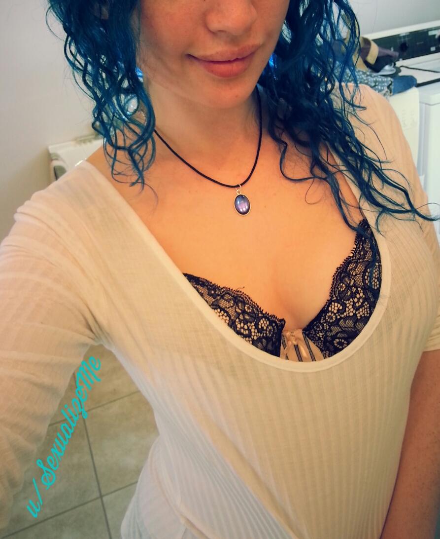 sexualizeme in lingerie taking a selfie