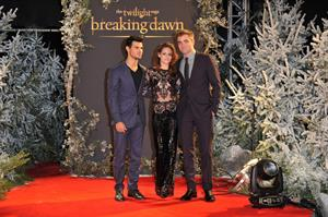 Kristen Stewart Breaking Dawn Part 2 London UK Premiere November 14, 2012