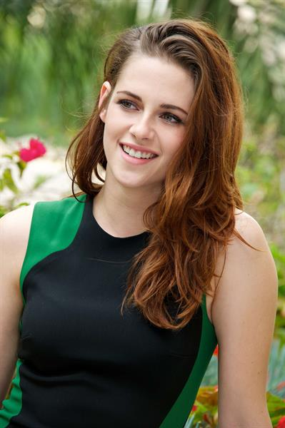Kristen Stewart Breaking Dawn Part 2 Press Conference Portraits 11/2/12 in Los Angeles