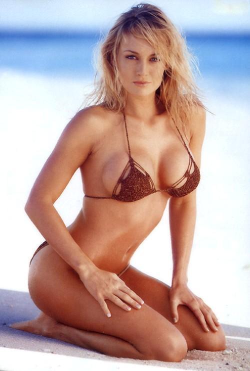 Nikki nackt Visser Nikki Leigh