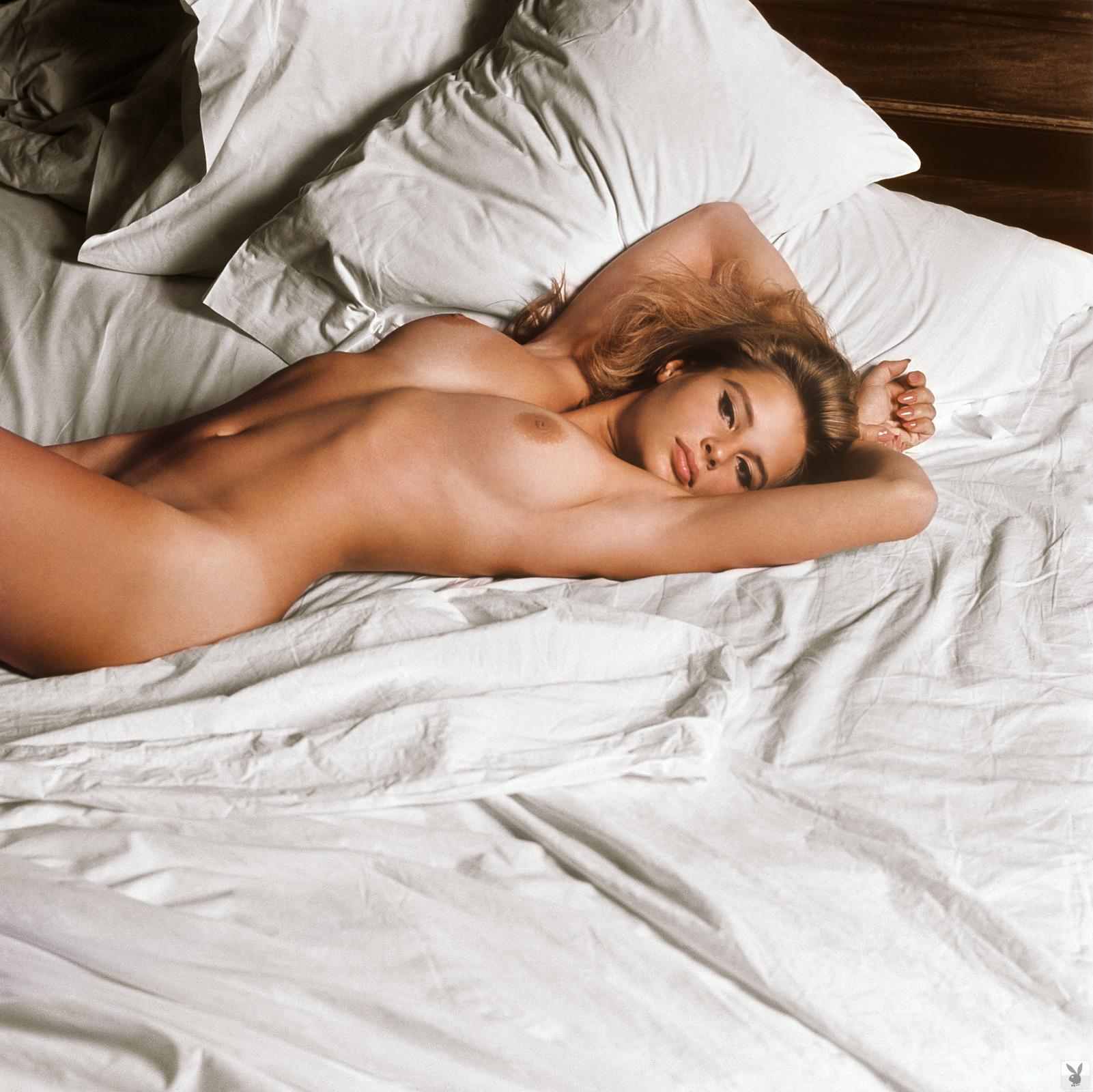 Michelle dell nude