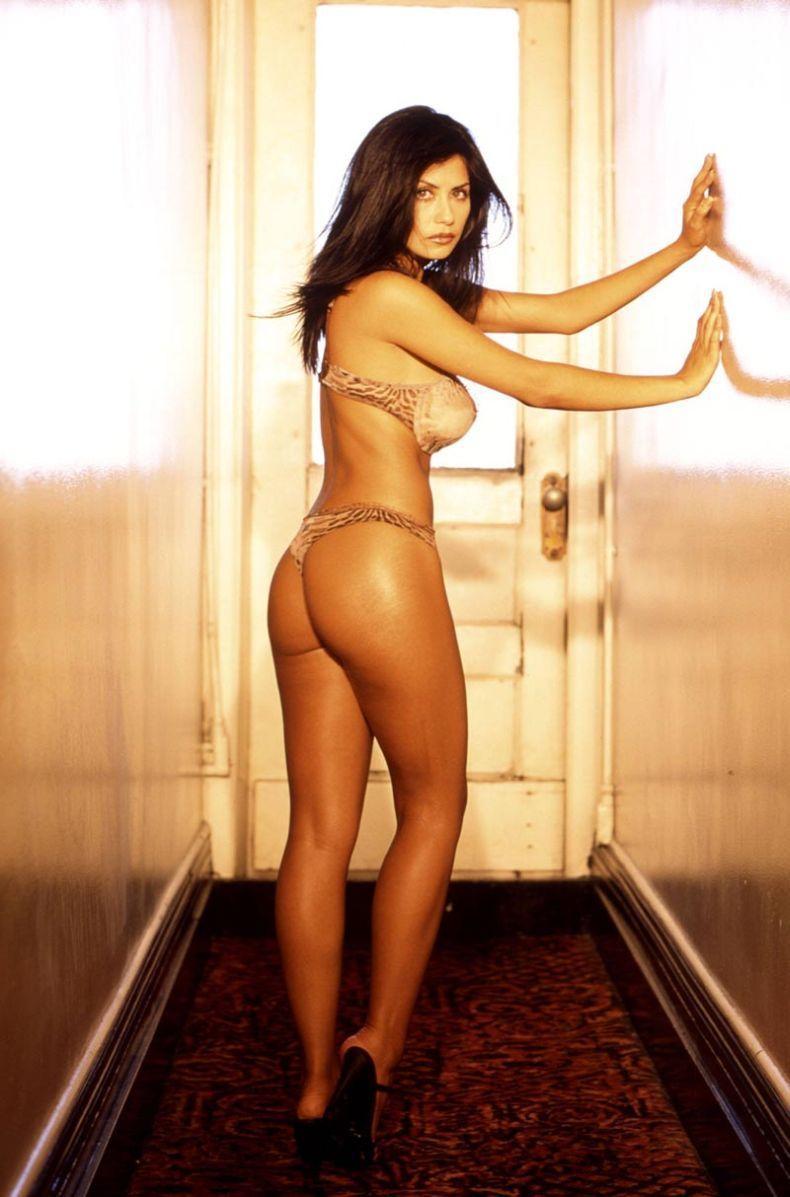 Sandra Ramirez in lingerie - ass