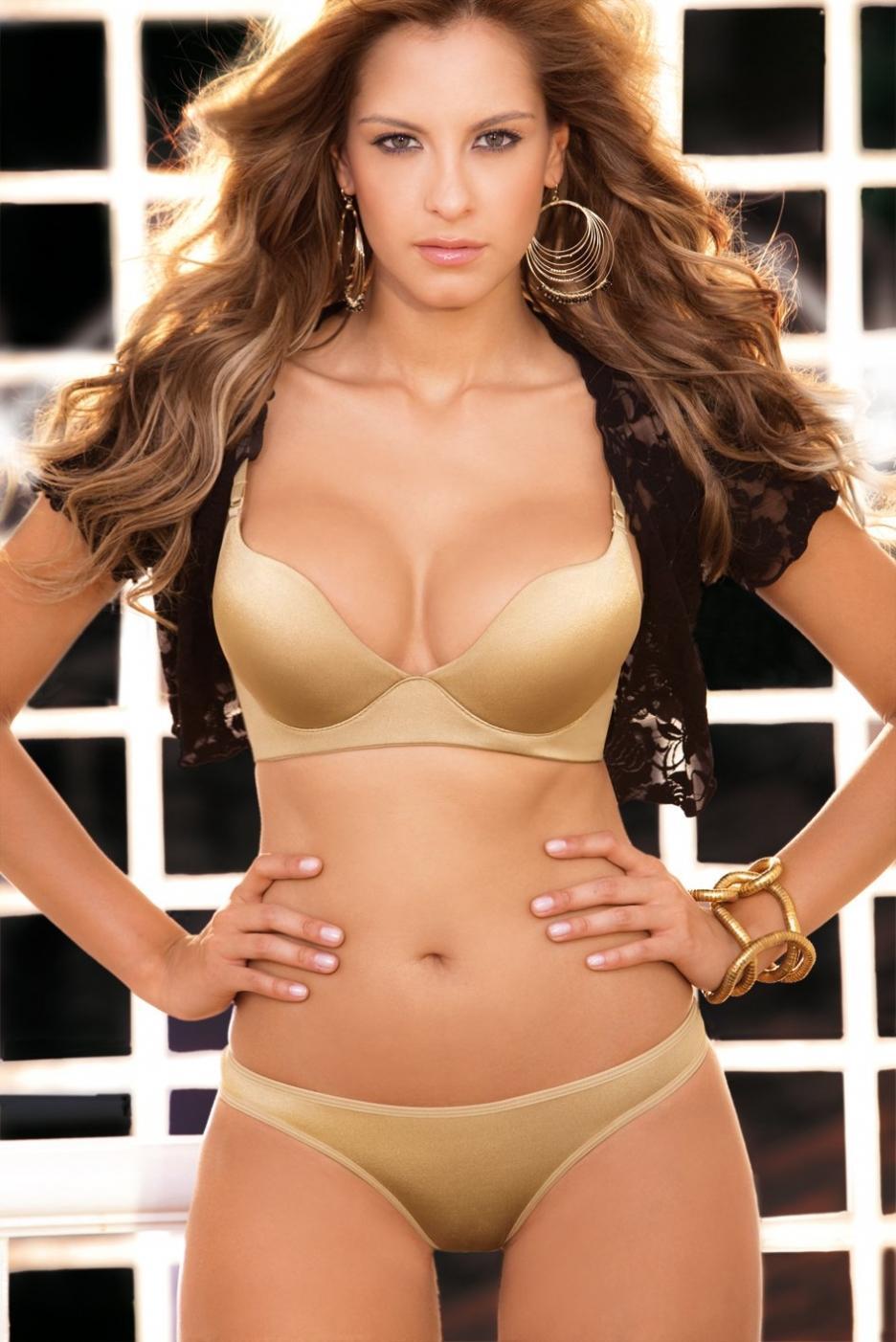 Laura Acuña in lingerie